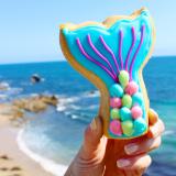 Mermaid tail sugar cookie.