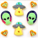 We come in pizza! Alien cookies.