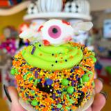 Taffy eyeball Halloween mini cake.