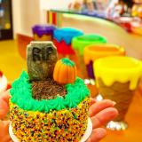 Halloween graveyard mini cake!