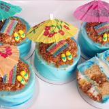 Sea salt caramel oasis mini cakes!